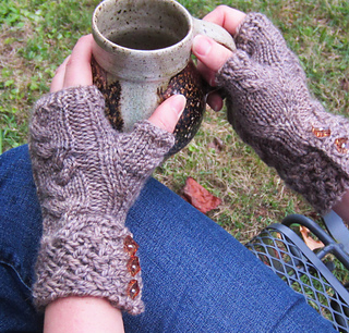 Rocky_broad_mitts_1_small2