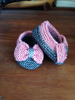 Bows Before Bros pattern by Carrie Briggs
