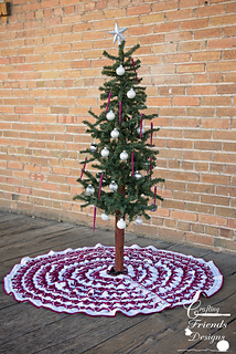 Christmas_pine_tree_skirt_3_small2