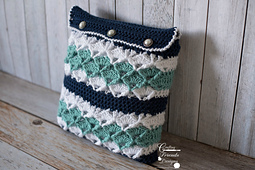 Seafoam_tranquility_square_pillow_small_best_fit