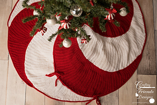 Ravelry Peppermint Swirl Christmas Tree Skirt Pattern By Kate