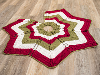 Ravelry Classic Cable Star Christmas Tree Skirt Pattern By Kate