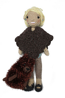 Martha_stewart_doll_with_poncho_and_dog_small2