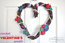 Crochet-valentines-wreath_small_best_fit