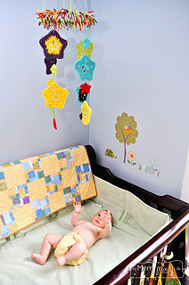 Crochet-baby-mobile-7_small2