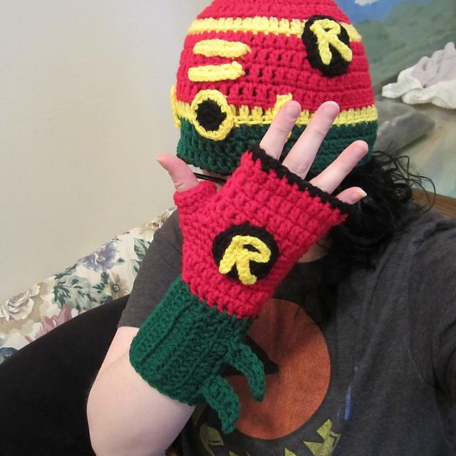 Ravelry Superhero Robin Hat And Fingerless Glove Set Pattern By