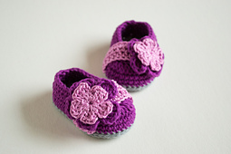 Berry_crochet_baby_booties_pattern_01_small_best_fit