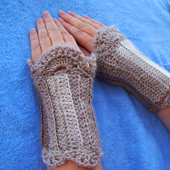Wristwarmers_cropped_small_best_fit