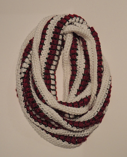ravelry christmas infinity scarf pattern by colleen mchale