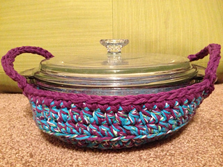 Convenient Casserole Carrier - Round, Oval, Square, and Rectangle pattern  by Tammy Harder