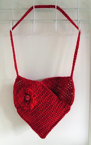 Ravelry Heart Shaped Bag Pattern By Neschof