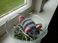 Catnip_mouse_free_pattern_small