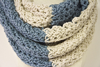 Crochet_neck_warmer_pattern_3_small2