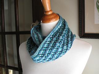 Hakkespett_infinity_scarf-2_small2