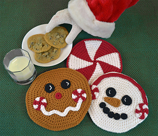 Christmas-hot-pad-crochet-pattern-set-peppemint-snowman-gingerbread-trivet-web_small2