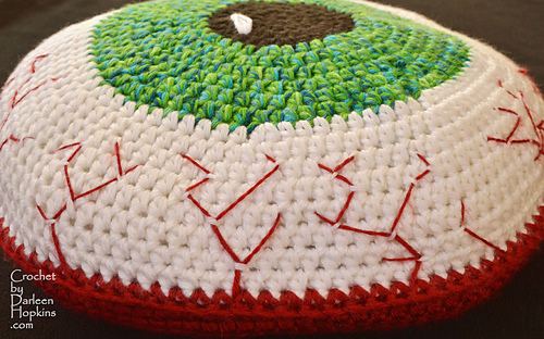 Bloodshot-eye-pillow-crochet-patern-by-darleen-hopkins-weblogo_medium
