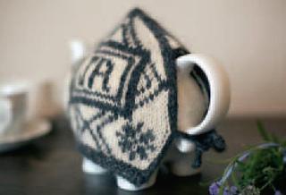 Jak_2012_tea_cozy2_small2