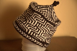 Maze-chevron-hat_small_best_fit