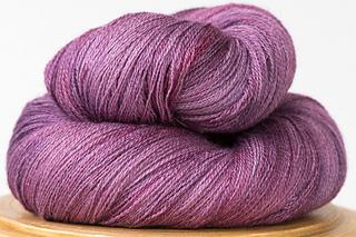 Arietta-hand-dyed-yarn-sugar-plum_small2
