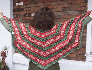 Deck_the_halls_shawl_005_-_copy_small2