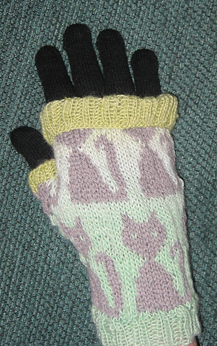 New_kitty_mitts_007_medium