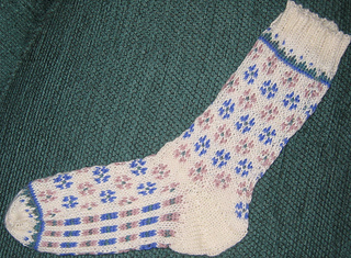 Candied_violets_the_sock_003_small2