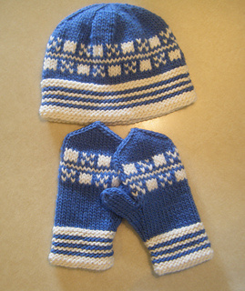 Blue_and_white_latvian_set_small2