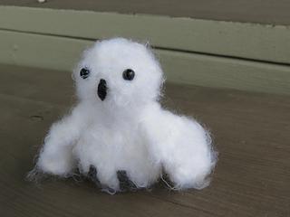 Snowy_white_owl_2_small2