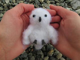 Snowy_white_owl_1_small2