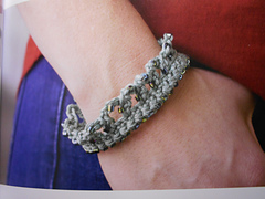 Cornelia_beaded_bracelet_gocrochet_skill_builder_small