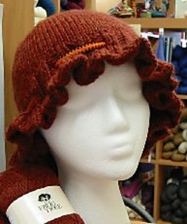 Ruffle_hat_front_small2