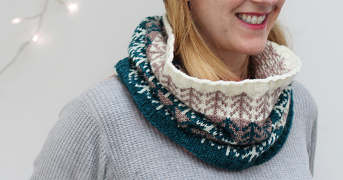 Boreal_dawl_cowl_by_renee_callahan_smile_medium