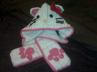 Hello_kitty_scoodie_small2