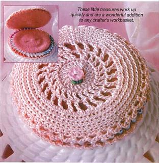 Crochet_world_2005_december_-_naaldendoosje_small2