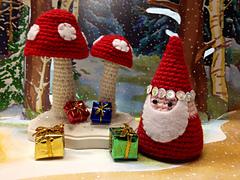 Redcap_gnome_scene_small
