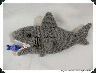 Estuche_tiburon_2_small2