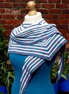 Pacific_rim_crochet_shawl__23__small2
