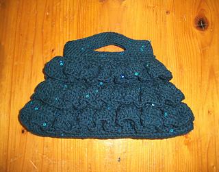 2014_05_19_003_bella_ruffled_bag_for_emmaline_s_b_day_-_bernat_sequin_yarn_in__turquoise_-_50usd_small2