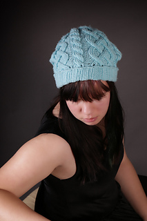Bluecablehat2a_small2