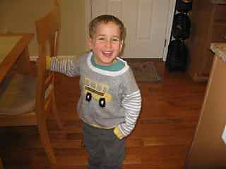 School_bus_sweater_small2