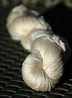 Greta-and-the-fibers-sac-750-blanc_02_small2