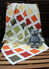 201404-01_rainbow_bear_blanket_04_small
