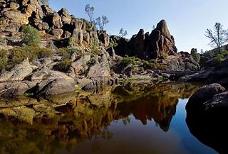 Pinnacles-rock-photo_small2