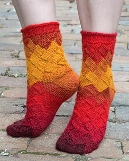 Spice-market-socks-on-toes_small2
