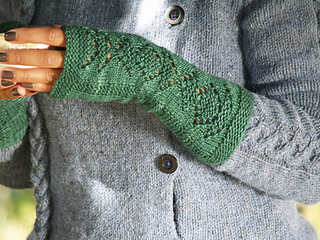 Morstan_mitts_teacup_small2