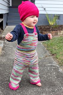 Abby_knitting__small2