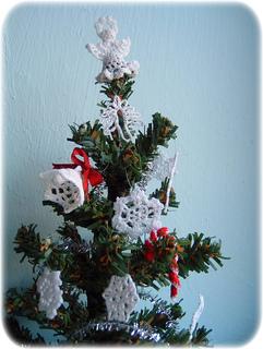 Christmas_tree_cr_small2