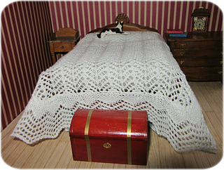 Lace_bedspread2_small2