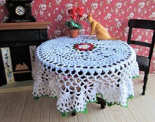 Tudor_tablecloth_1_small2