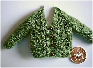 Cable_front_cardigan_small2